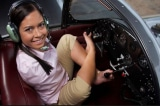 Nữ phi công điều khiển máy bay bằng chân đầu tiên trên thế giới