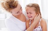 Điều cha mẹ cần làm nhất khi con trẻ tức giận, quấy khóc