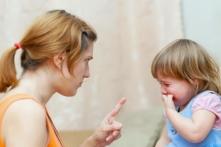 9 thói quen không tốt cha mẹ cần bỏ khi nuôi dạy con trẻ