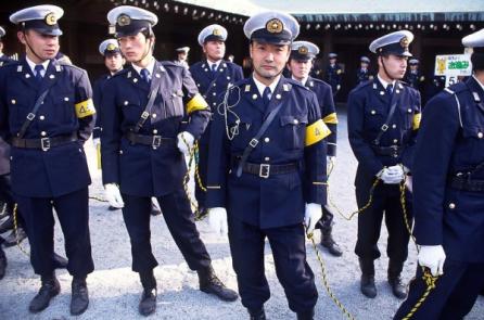 Tỷ lệ tội phạm ở Nhật quá thấp, cảnh sát không có việc gì để làm