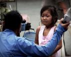 Bạo hành trẻ em ở Việt Nam: Chúng ta có đang vô cảm trước cái ác?