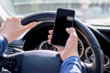 Đề xuất cấm sử dụng điện thoại di động khi lái xe ô tô