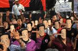 Người Thái đeo mặt nạ Pinocchio biểu tình