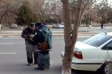 Uzbekistan: Cấm cảnh sát nấp sau cây bắt lái xe vi phạm giao thông