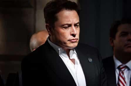 Elon Musk lo lắng trí tuệ nhân tạo sẽ trở thành 'kẻ độc tài bất tử'