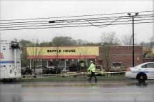 Mỹ: Tay súng khỏa thân giết 4 người tại quán ăn