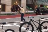 Cảnh sát Tokyo dẫn đàn vịt qua đường gây sốt cộng đồng mạng