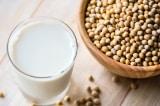 Thành phần dinh dưỡng sữa bò và sữa đậu nành khác nhau ra sao?