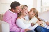 Cách giáo dục con cái tốt nhất là bố mẹ luôn yêu thương nhau