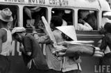 Sài Gòn xưa: Quê hương trên đôi vai gầy