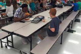 Ngôi sao bóng bầu dục ăn trưa cùng cậu bé tự kỷ
