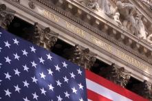 Chứng khoán Mỹ tăng kỷ lục hơn 1.000 điểm trong ngày 'Boxing Day'