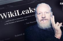 Julian Assange: Anh hùng hay tội phạm?