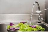 Nguy cơ 'tái nhiễm vi sinh' trong nước uống, nước sinh hoạt tại nhiều khu vực ở TP.HCM