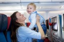 Làm sao để giữ lũ trẻ nghịch ngợm ngồi ngoan ngoãn trên máy bay?
