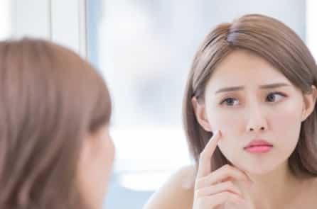 9 lý do vì sao gương mặt của bạn lại già hơn so với tuổi thật