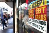 Mỹ giảm được hơn 5,8 triệu người nhận trợ cấp thực phẩm dưới thời Trump