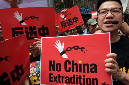 Chính quyền Trung Quốc sách nhiễu, bắt giam người dân ủng hộ biểu tình Hồng Kông
