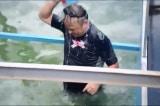 Chuyên gia Nhật bơi lội, tắm trên khu vực nước sông Tô Lịch đã được làm sạch