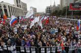 Bất chấp đàn áp, người Nga biểu tình lớn nhất trong 8 năm