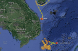 Tàu cẩu khổng lồ của Trung Quốc tiến sát bờ biển Việt Nam