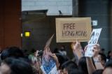 Dư luận viên mạng của ĐCSTQ 'ném đá' bất cứ ai ủng hộ Hồng Kông