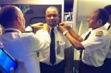 Nhân viên lau dọn trở thành phi công sau 24 năm làm việc chăm chỉ