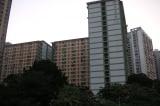Di tản hơn 100 cư dân chung cư sau khi 2 người nhiễm virus corona ở Hồng Kông