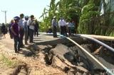 30 m tỉnh lộ 873 ở Tiền Giang bị sạt lở xuống sông