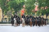 Nhiều nhận xét từ cộng đồng mạng về đoàn 'cảnh sát cơ động kỵ binh' diễu hành