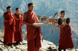 Giải mã bí ẩn việc các lạt-ma Tây Tạng nâng tảng đá bằng âm thanh