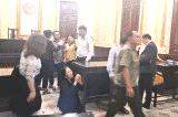 Việt Nam: Dân lại định nhảy lầu tự tử sau phán quyết của tòa