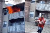 Người mẹ hy sinh tính mạng ném con từ tầng 3 xuống trong hỏa hoạn