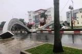 Hai cổng hoa cao 7m tại TP. Bà Rịa bị đổ sập